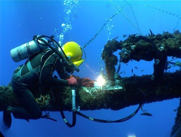 How Much Does Underwater Welders Make A Year